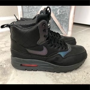 Nike Air Max 1 Mid Sneakerboot - Size 8